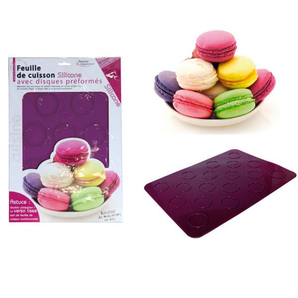 feuilles de cuisson macaron en silicone avec trous pr form s. Black Bedroom Furniture Sets. Home Design Ideas
