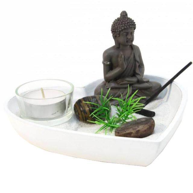 Jardin zen coeur avec statuette bouddha - Bouddha jardin zen ...