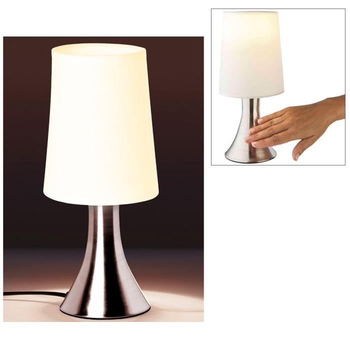 lampe sensitive touch avec base metal et abat jour blanc. Black Bedroom Furniture Sets. Home Design Ideas