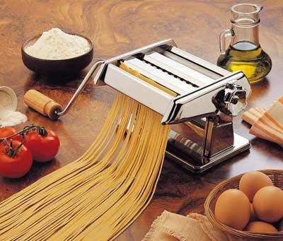 http://www.touslescadeaux.com/images/produits/machine-a-pates-4.jpg