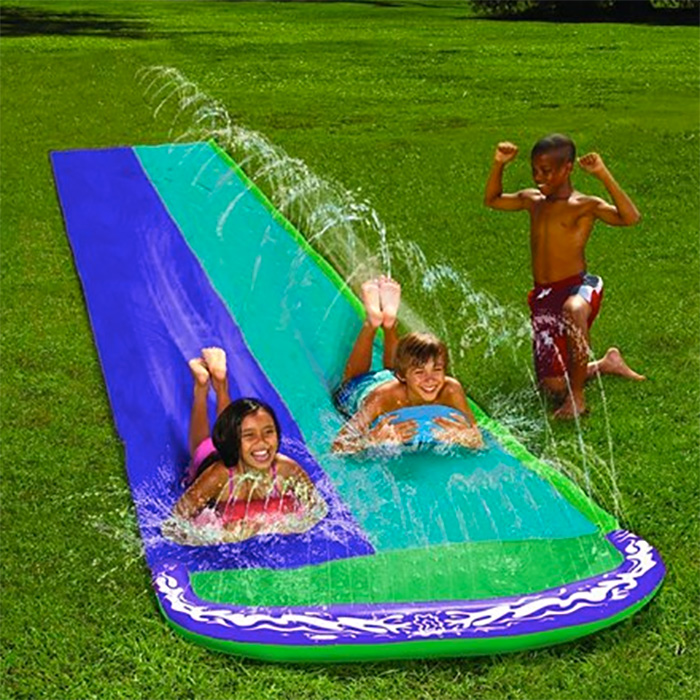Jeu d 39 eau double toboggan aquatique tapis de glisse for Piscine issoire jardin aquatique